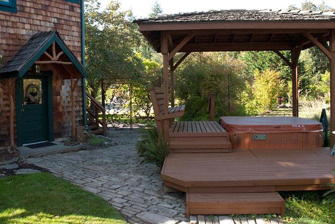 Vashon Garden Cottages - Ivy Room image